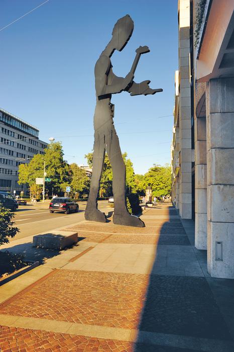 Hammering Man_(c) Basel Tourismus