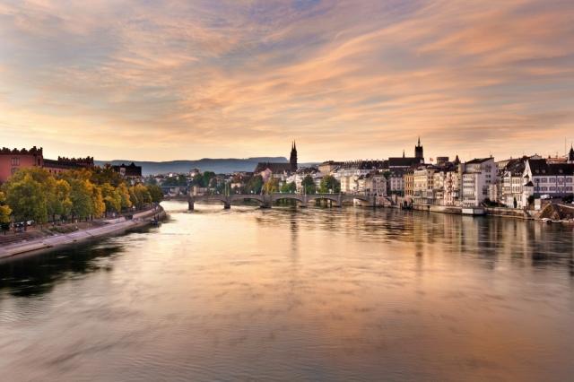 Morgenstimmung am Rhein in Basel 2_(c) Basel Tourismus